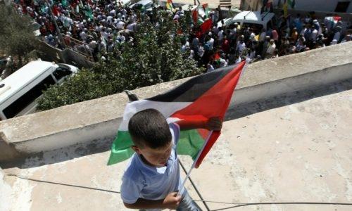הפלסטינים חוגגים את עסקת החלפת האסירים שהושגה בין ישראל (אילוסטרציה) /// קובי גדעון / פלאש 90