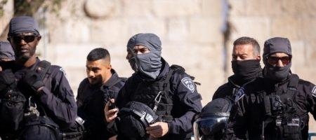 כוחות משטרה מיוחדים בפעילות בשער שכם /// צילום: Yonatan Sindel/Flash90