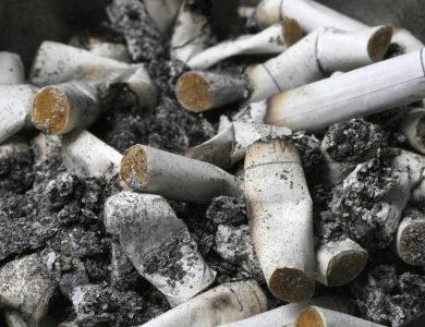 בישראל נרשמת ירידה במספר המעשנים | צילום: Nati Shohat/Flash90
