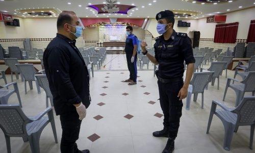 מכינים אולם אירועים, שגרת קורונה | צילום: Abed Rahim Khatib/Flas90