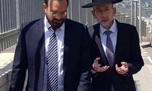 ח''כ אורי מקלב עם ראש מועצת 'קרית יערים' יצחק רביץ