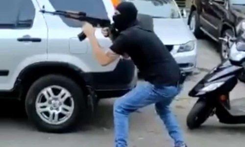 ירי כבד מצד רעול פנים בהפגנת תומכי חיזבאללה// צילומסך